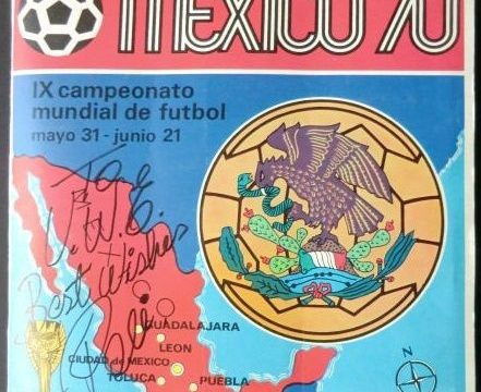 Panini - Mexico 70 - Complete album including 2 original Pelé signatures + Photo of the signing moment.- Catawiki