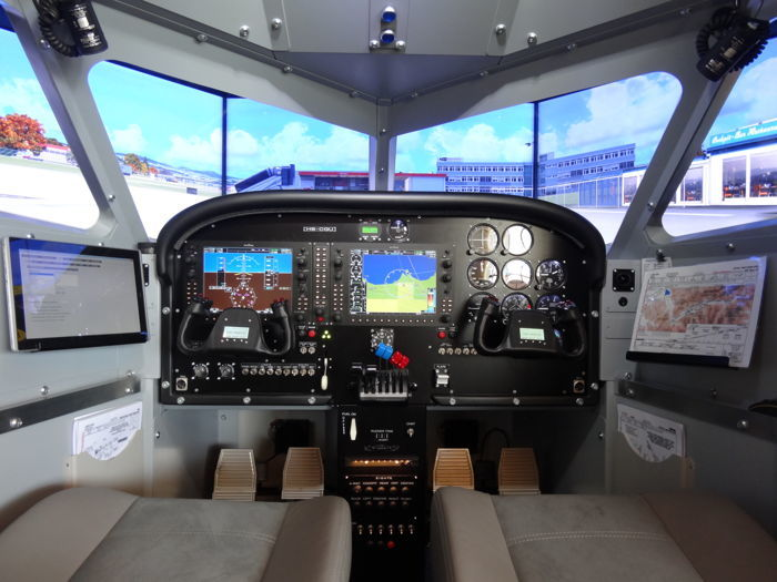 Professional flight simulator for sale estimated at for Build your own house simulator